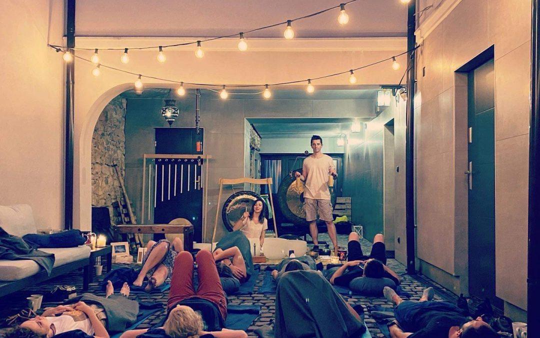 Relaksacyjno-medytacyjne spotkanie z dźwiękami na Patio